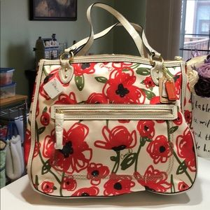 Coach Poppy Large Tote Red Floral NWT!!